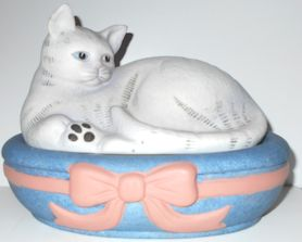 Collectible Cat Box, Pink Ribbon