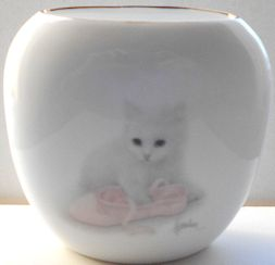 Collectible Cat Vase, White Kitten And Ballet Slipper