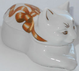 Collectible Elizabeth Arden Cat, Gold Ribbons