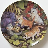 Collectible Cat Plate, Five Kittens Playing