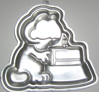 Collectible Garfield Cake Pan