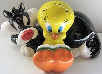 Sylvester And Tweety Reading, Salt And Pepper Set